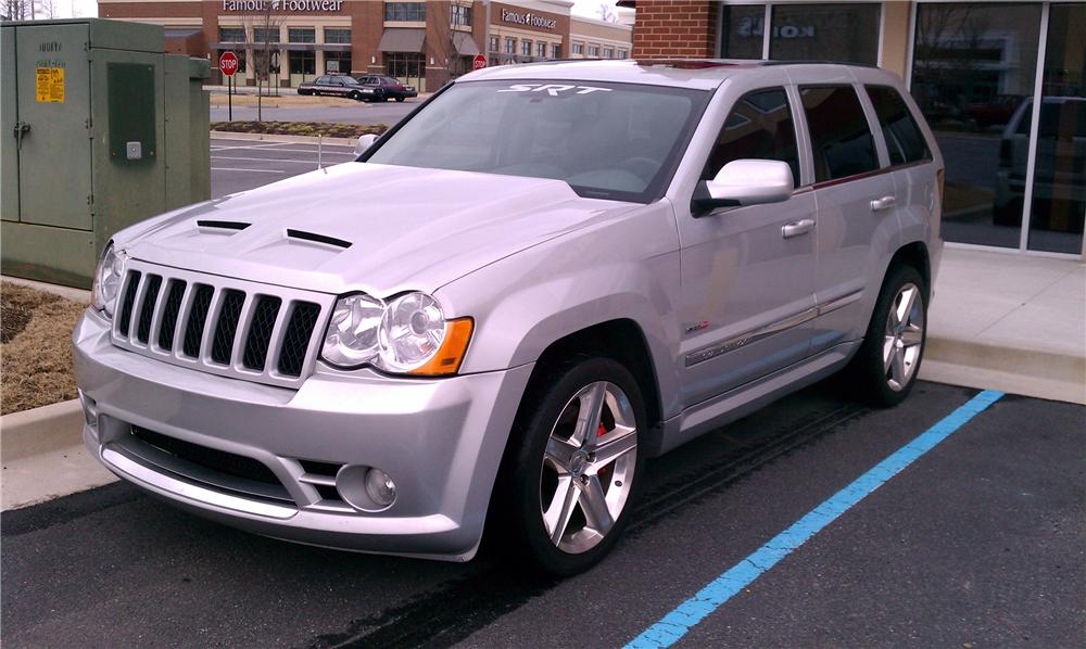 ... 2006 JEEP GRAND CHEROKEE CUSTOM SRT8   Front 3/4   117812 ...