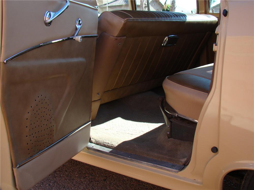 1956 PONTIAC CHIEFTAIN WAGON - Interior - 117822