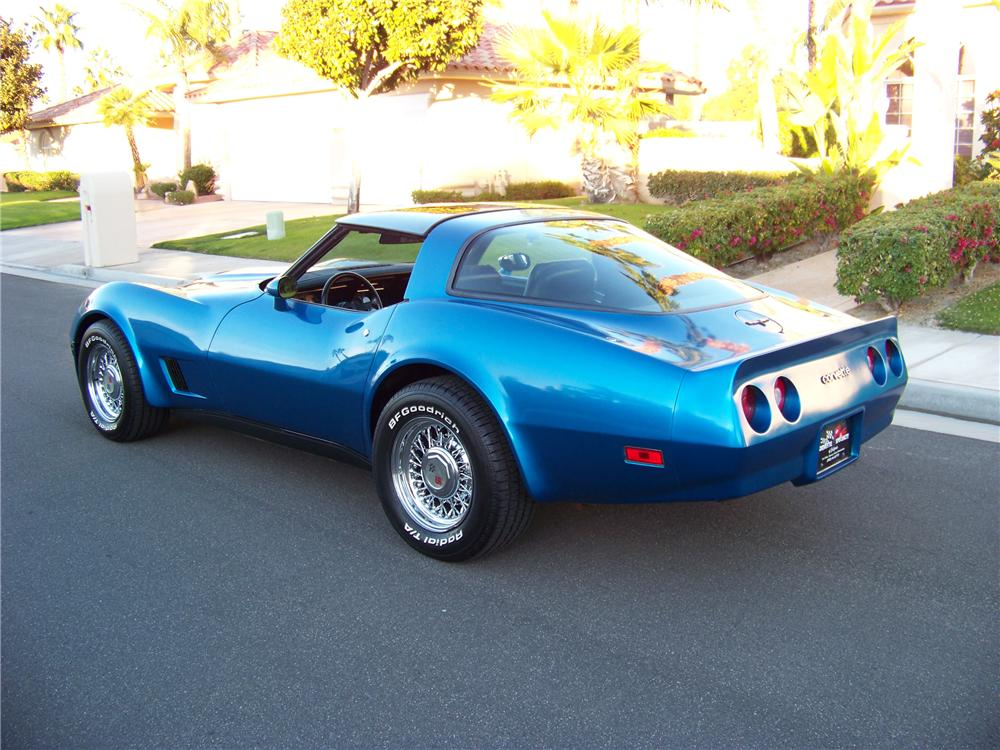 1981 CHEVROLET CORVETTE 2 DOOR COUPE - Rear 3/4 - 117824