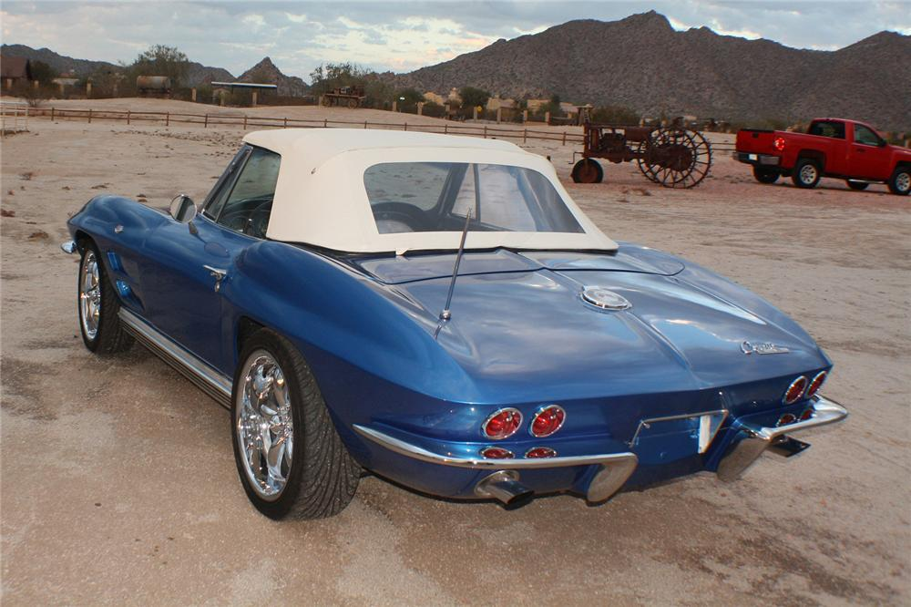 1964 CHEVROLET CORVETTE CONVERTIBLE - Rear 3/4 - 117828