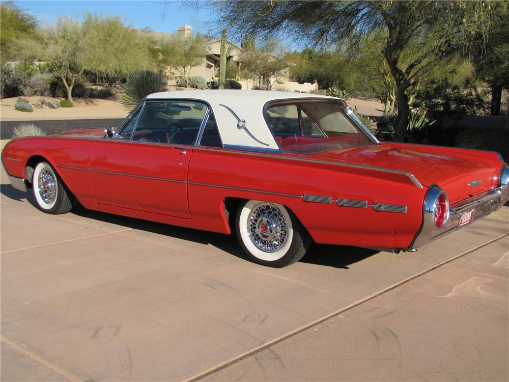 1962 FORD THUNDERBIRD 2 DOOR HARDTOP - Rear 3/4 - 117832