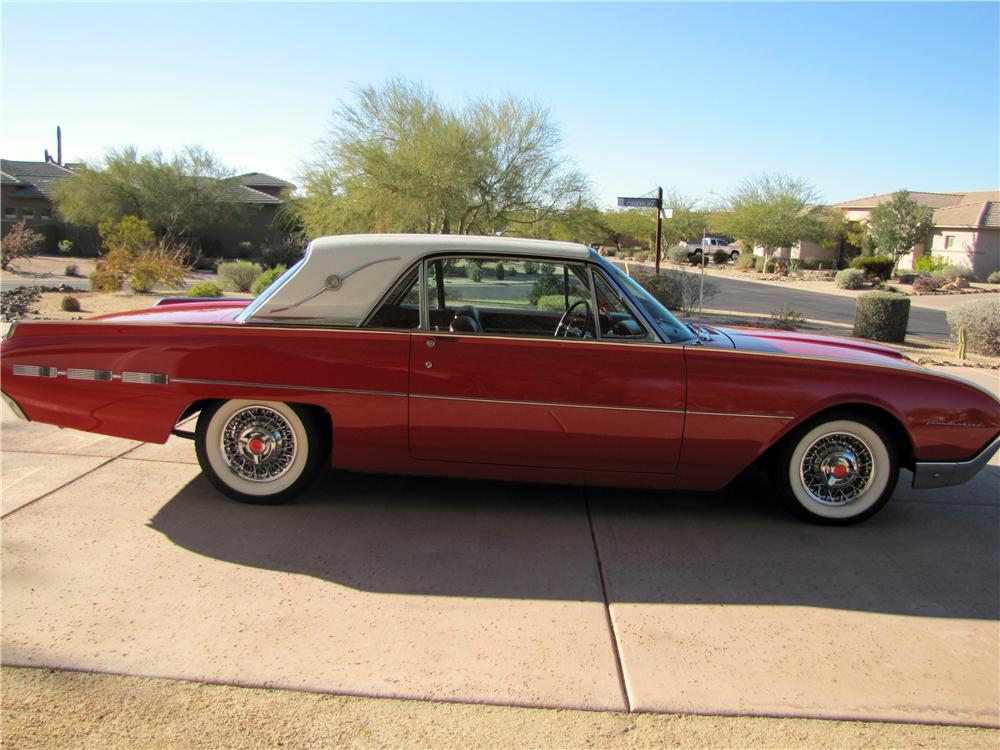 1962 FORD THUNDERBIRD 2 DOOR HARDTOP - Side Profile - 117832