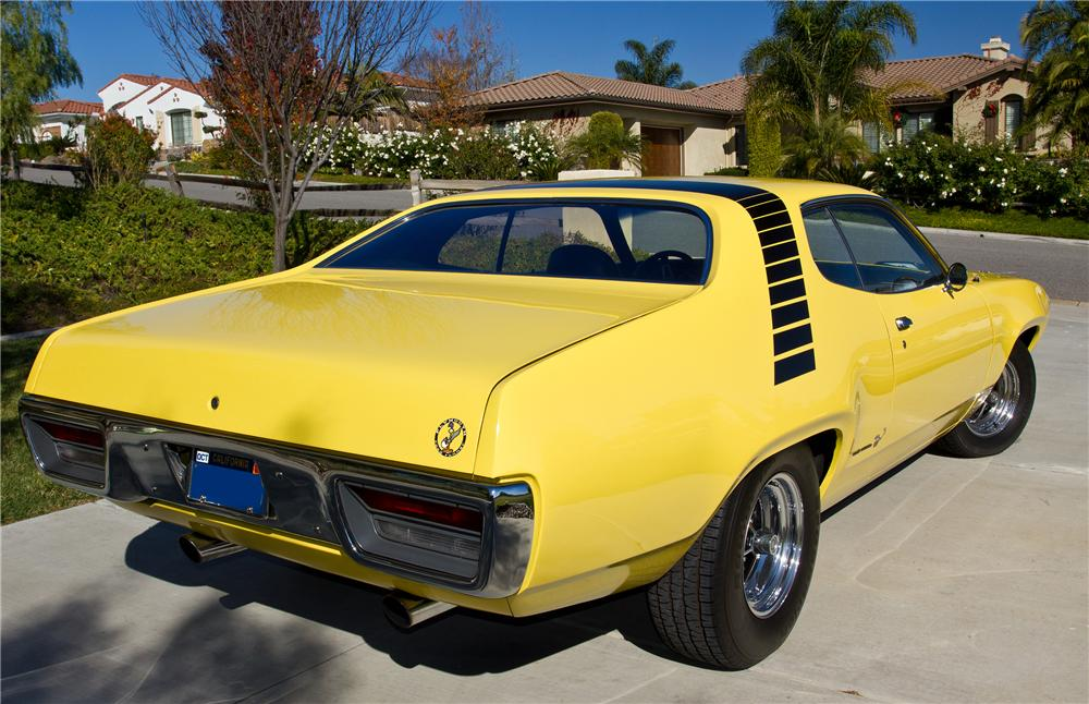 Fotos De Autos Dodge Clasicos DJ ARI together with 1970 Plymouth Road Runner Pictures C9355 besides Mopp 1201 1972 Plymouth Road Runner Gtx Exclusive Photos moreover Plymouth related emblems together with pantherpink. on 1972 road runner 440