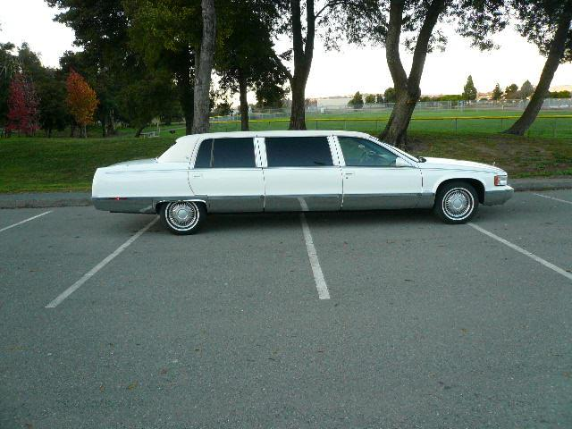 1996 CADILLAC FLEETWOOD LIMO - Side Profile - 117851