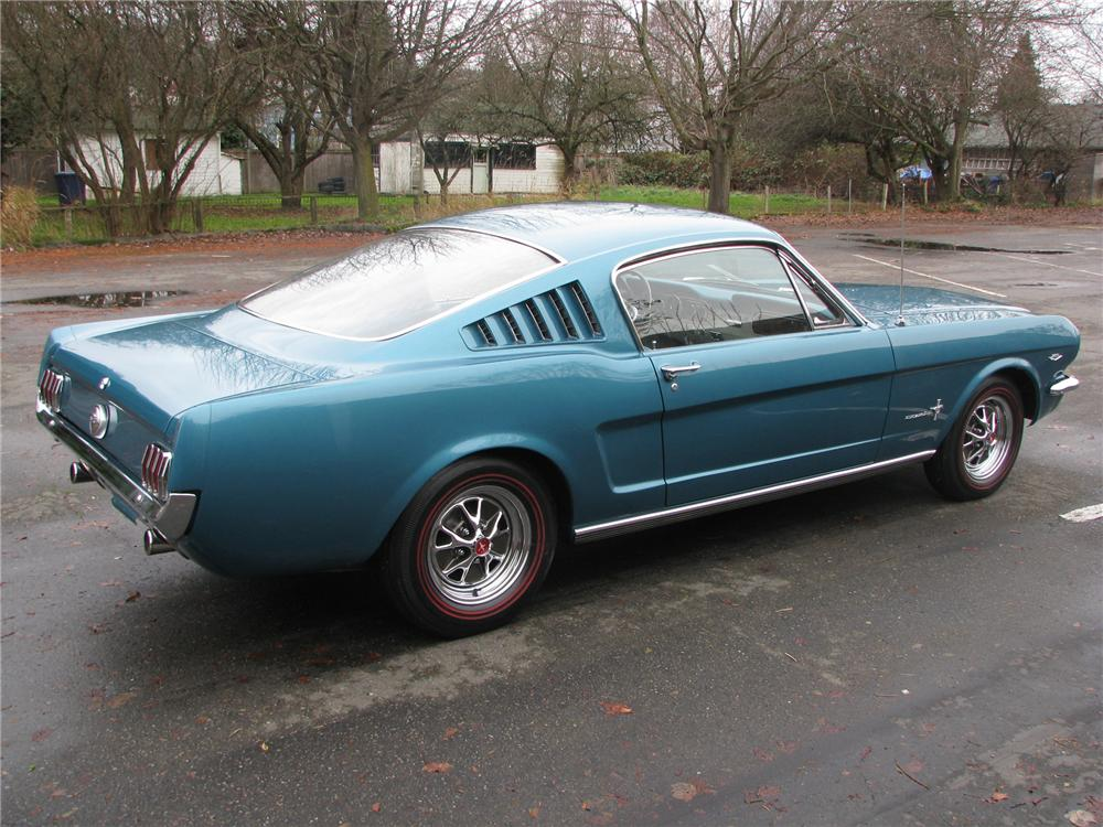 1965 FORD MUSTANG FASTBACK - Rear 3/4 - 118036