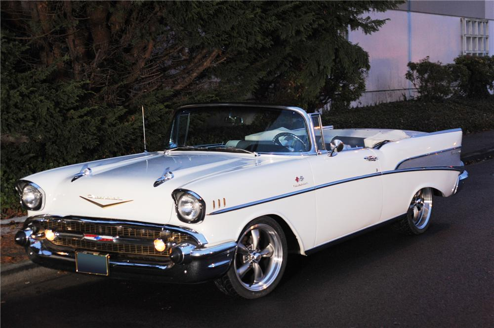 1957 CHEVROLET BEL AIR CUSTOM CONVERTIBLE - Front 3/4 - 118037