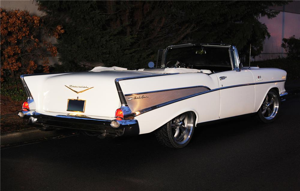 1957 CHEVROLET BEL AIR CUSTOM CONVERTIBLE - Rear 3/4 - 118037