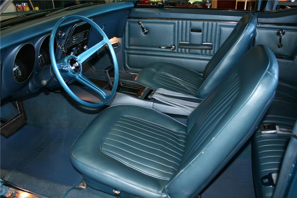 1967 CHEVROLET CAMARO CONVERTIBLE - Interior - 118071