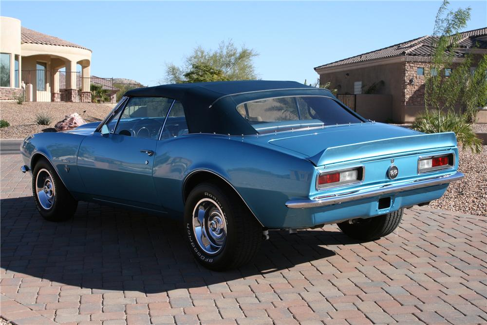 1967 CHEVROLET CAMARO CONVERTIBLE - Rear 3/4 - 118071