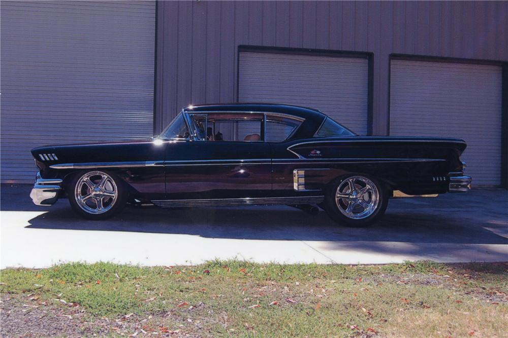 1958 CHEVROLET IMPALA 2 DOOR HARDTOP - Side Profile - 118142