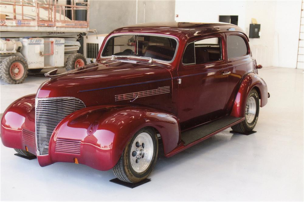 1939 CHEVROLET CUSTOM 2 DOOR SEDAN - Front 3/4 - 119958