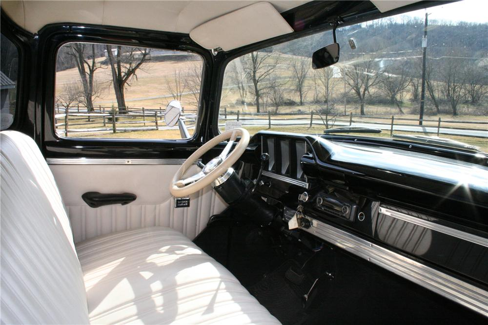 1956 FORD F-350 CUSTOM TRUCK - Interior - 125064