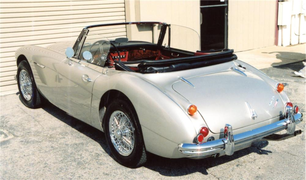 1967 AUSTIN-HEALEY 3000 MARK III BJ8 CONVERTIBLE - Rear 3/4 - 125076