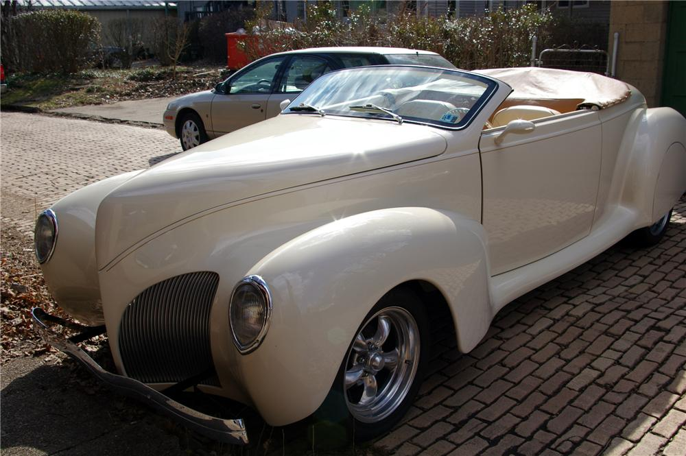 1939 LINCOLN ZEPHYR RE-CREATION CONVERTIBLE - Front 3/4 - 125092