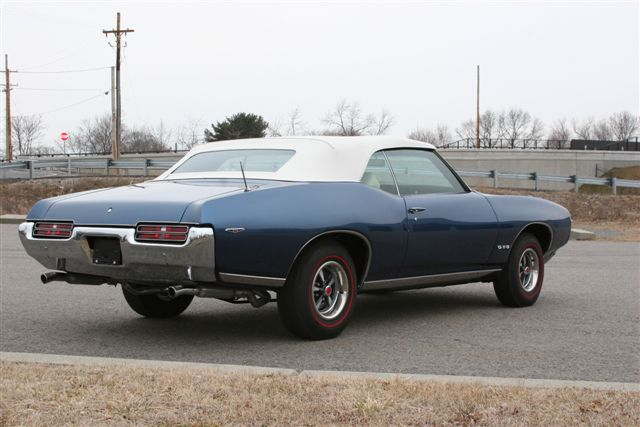 1969 PONTIAC GTO CONVERTIBLE - Rear 3/4 - 125103