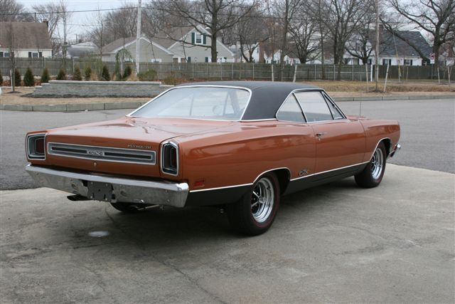 1969 PLYMOUTH GTX 2 DOOR HARDTOP - Rear 3/4 - 125104