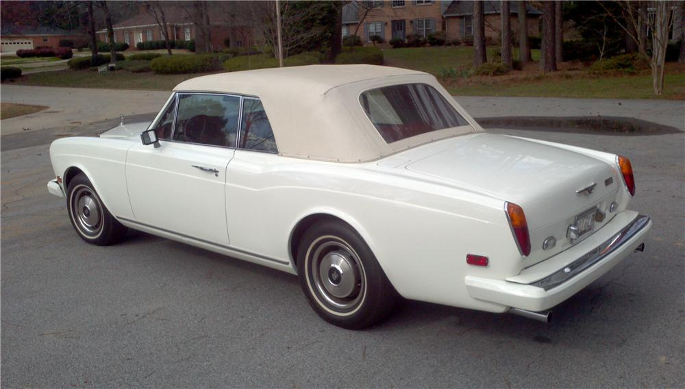 1979 ROLLS-ROYCE CORNICHE CONVERTIBLE - Rear 3/4 - 125128