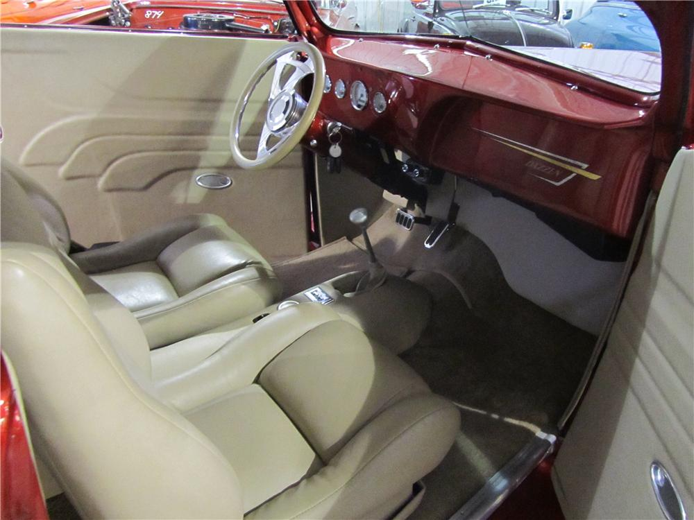1937 FORD CUSTOM CONVERTIBLE - Interior - 125134