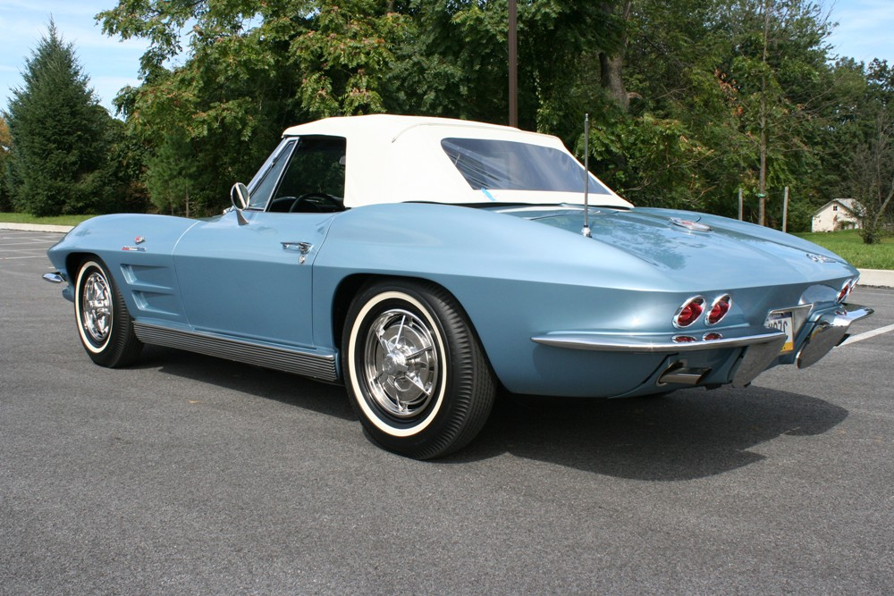 1963 CHEVROLET CORVETTE CONVERTIBLE - Rear 3/4 - 125140
