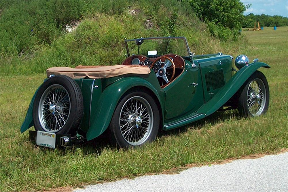 1949 MG TC CONVERTIBLE - Rear 3/4 - 125154