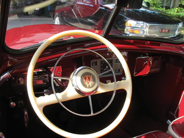1949 WILLYS JEEPSTER CONVERTIBLE - Interior - 125163
