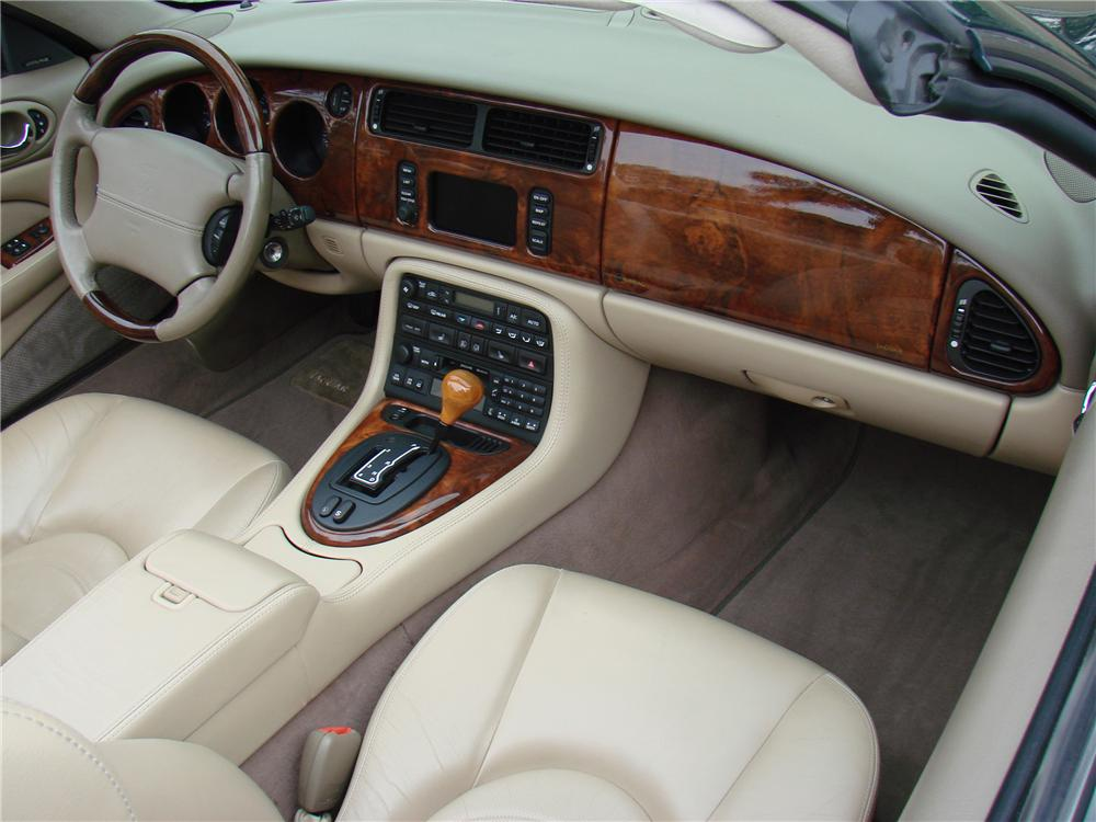 2002 JAGUAR XKR CONVERTIBLE - Interior - 125175