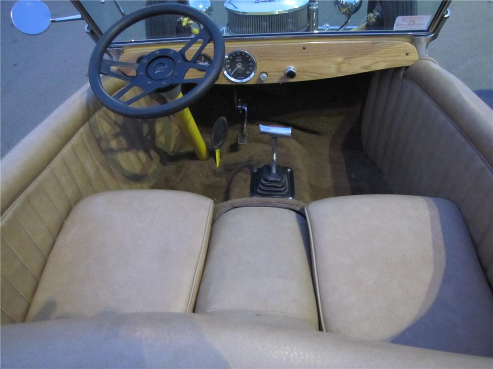 1923 FORD T-BUCKET CUSTOM ROADSTER - Interior - 125177
