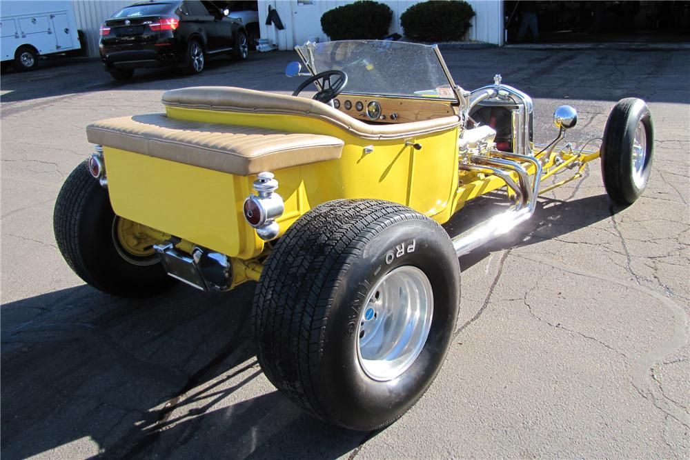 1923 FORD T-BUCKET CUSTOM ROADSTER - Rear 3/4 - 125177