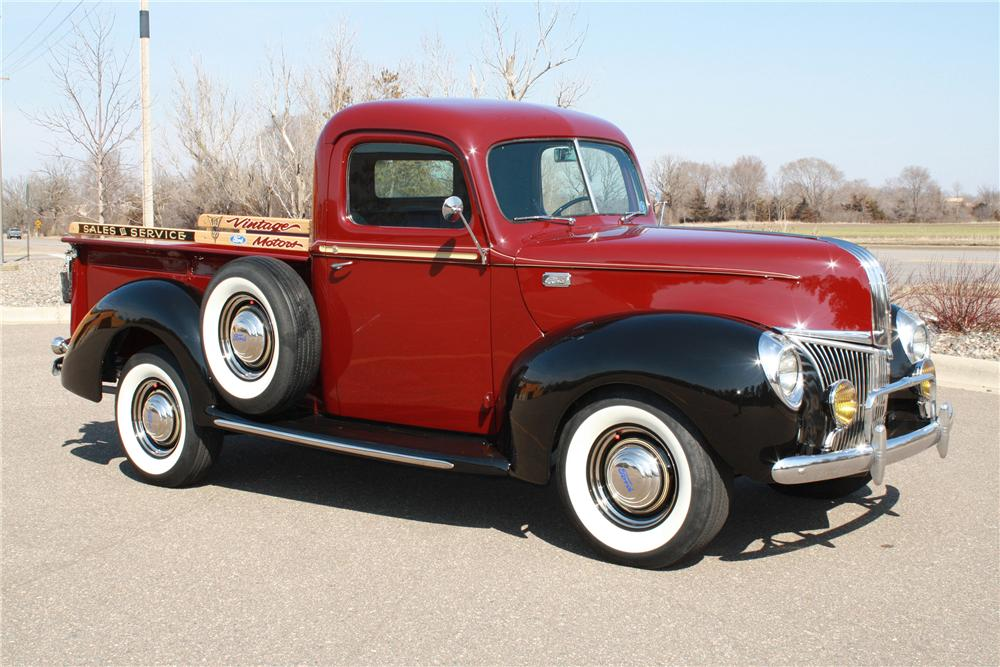1941 FORD 1/2 TON CUSTOM PICKUP - Front 3/4 - 125180