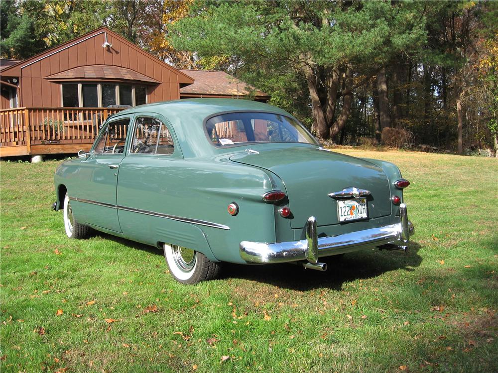 1949 FORD 2 DOOR COUPE - Rear 3/4 - 125183