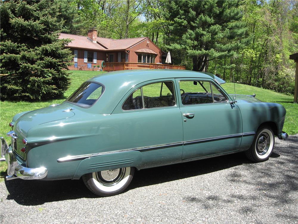 1949 FORD 2 DOOR COUPE - Side Profile - 125183