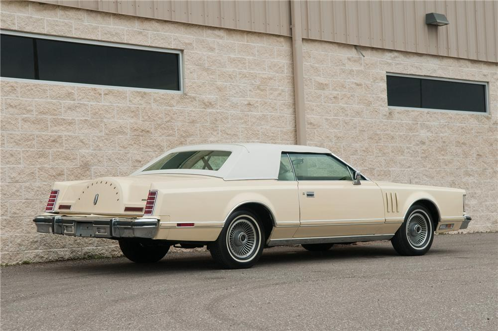 1979 LINCOLN CONTINENTAL MARK V 2 DOOR HARDTOP - Rear 3/4 - 125193