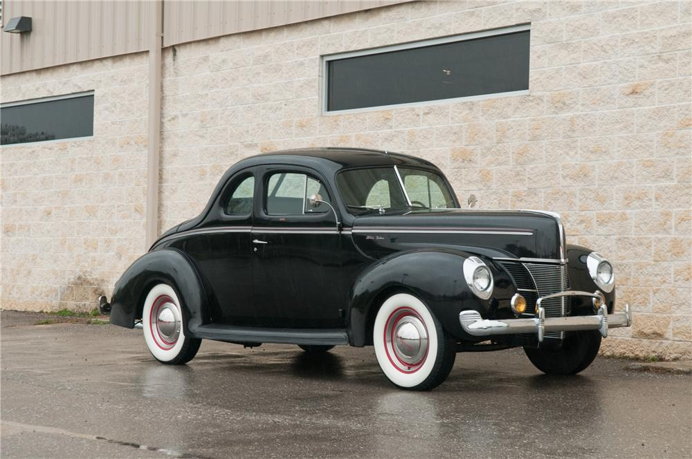 1940 FORD DELUXE CUSTOM 2 DOOR COUPE - Front 3/4 - 125206