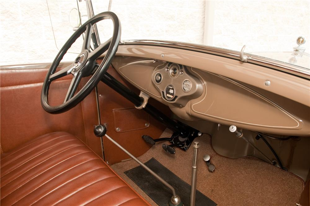1931 FORD MODEL A ROADSTER - Interior - 125207