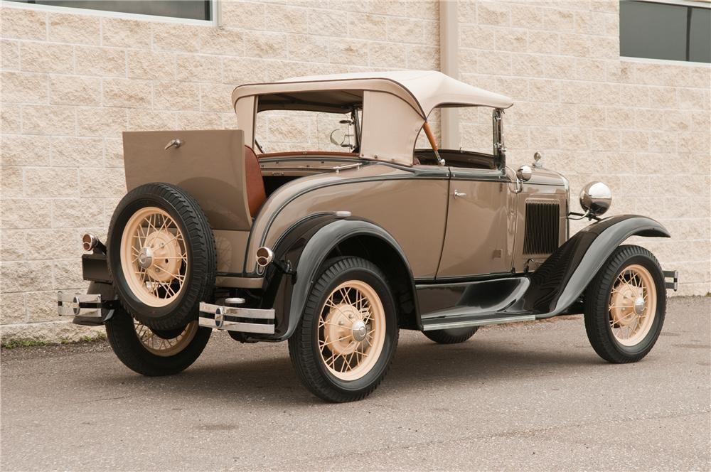 1931 FORD MODEL A ROADSTER - Rear 3/4 - 125207