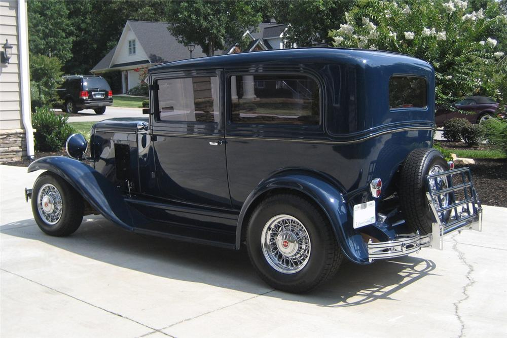 1930 CHEVROLET CUSTOM 2 DOOR COUPE - Rear 3/4 - 125212