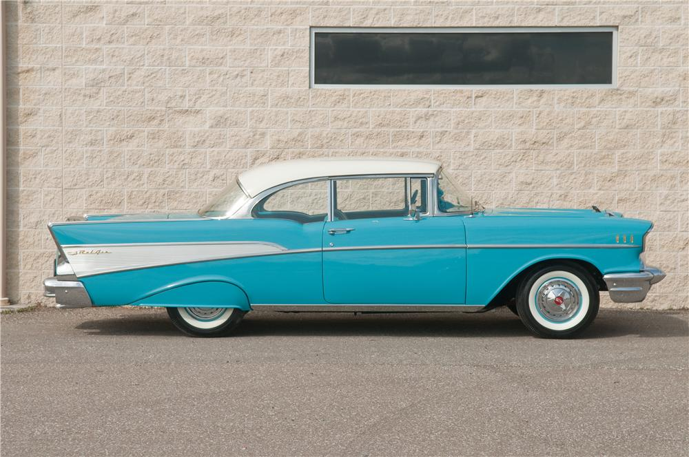 1957 CHEVROLET BEL AIR 2 DOOR HARDTOP - Side Profile - 125217