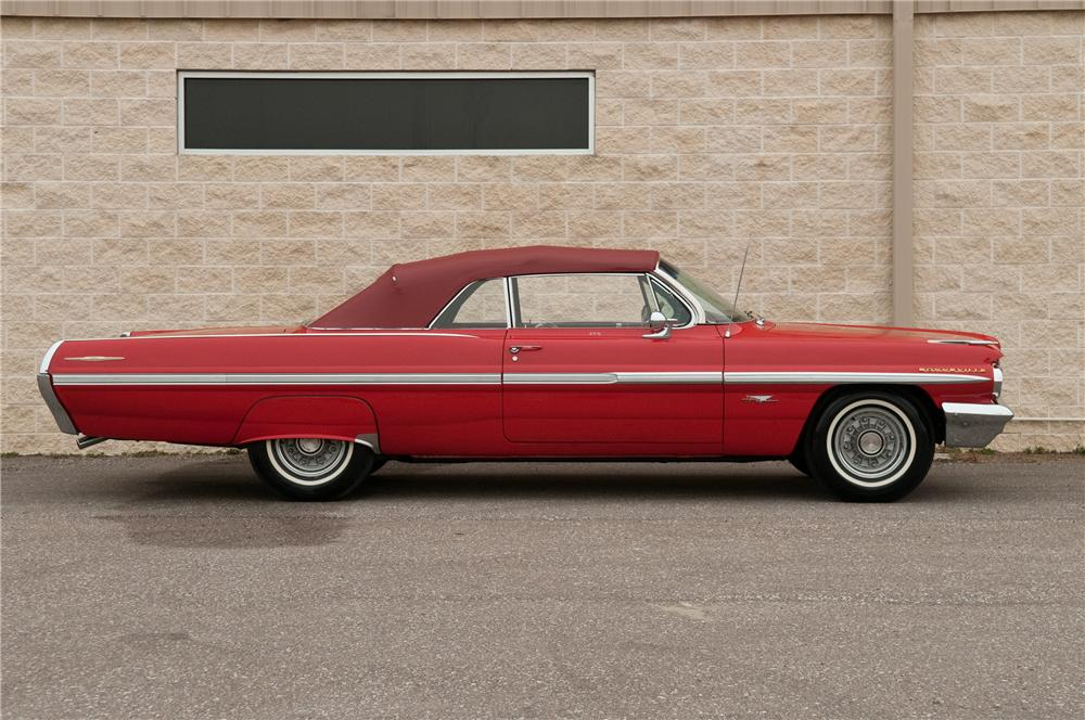 1962 PONTIAC BONNEVILLE CONVERTIBLE - Side Profile - 125229