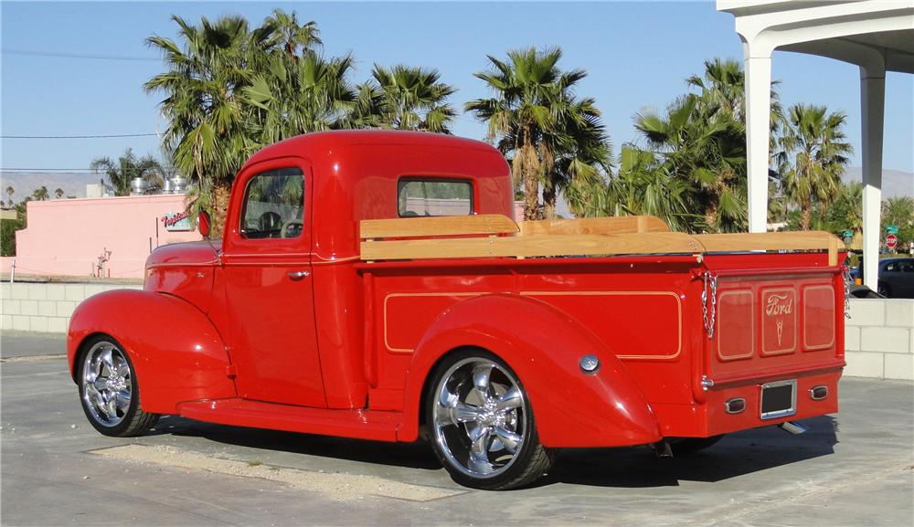 1940 FORD CUSTOM PICKUP - Rear 3/4 - 125269