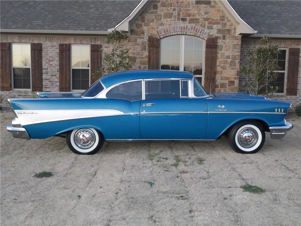 1957 CHEVROLET BEL AIR 2 DOOR HARDTOP - Side Profile - 125306