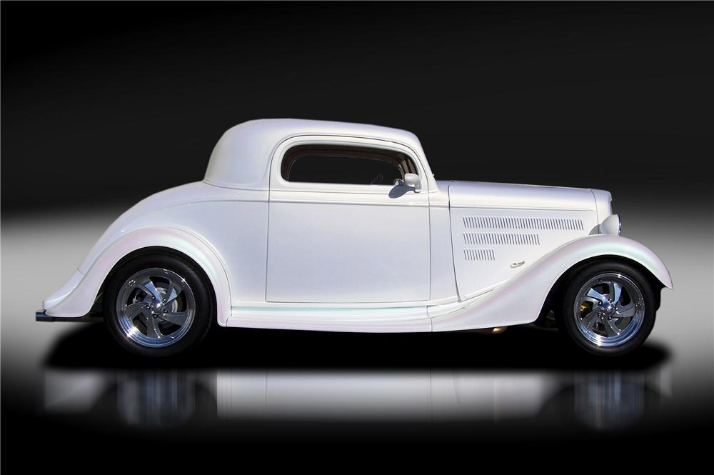 1935 CHEVROLET CUSTOM 2 DOOR COUPE - Side Profile - 125317