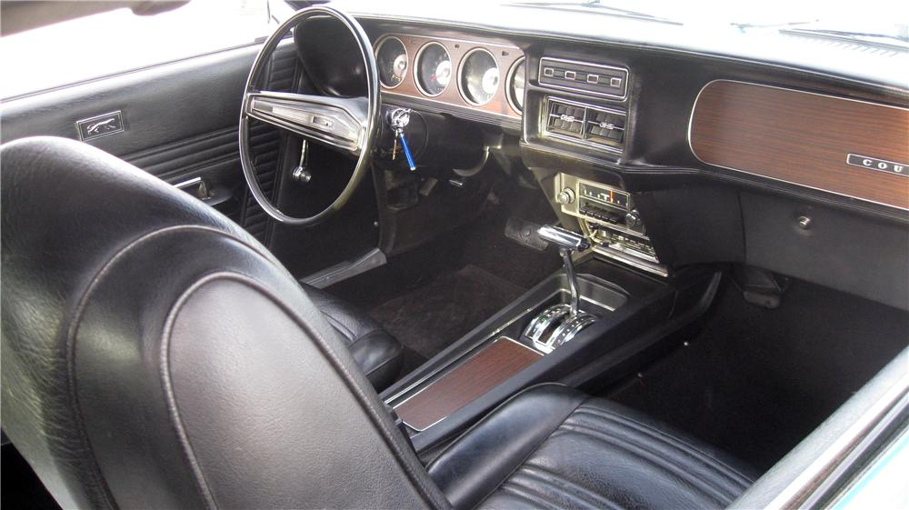 1970 MERCURY COUGAR 2 DOOR COUPE - Interior - 125327