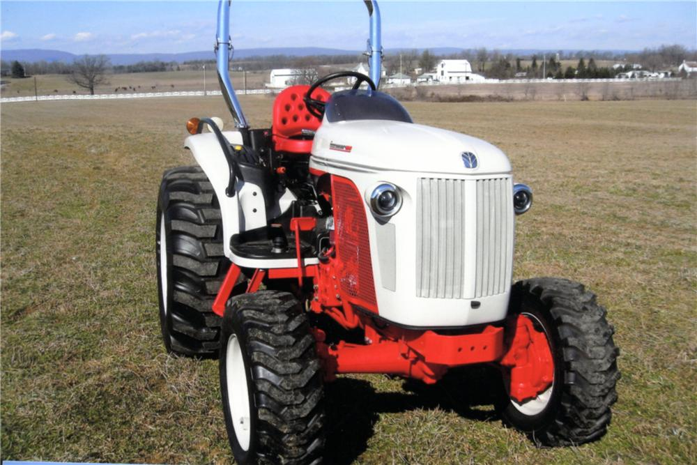 2009 NEW HOLLAND BOOMER 8N TRACTOR - Front 3/4 - 125330