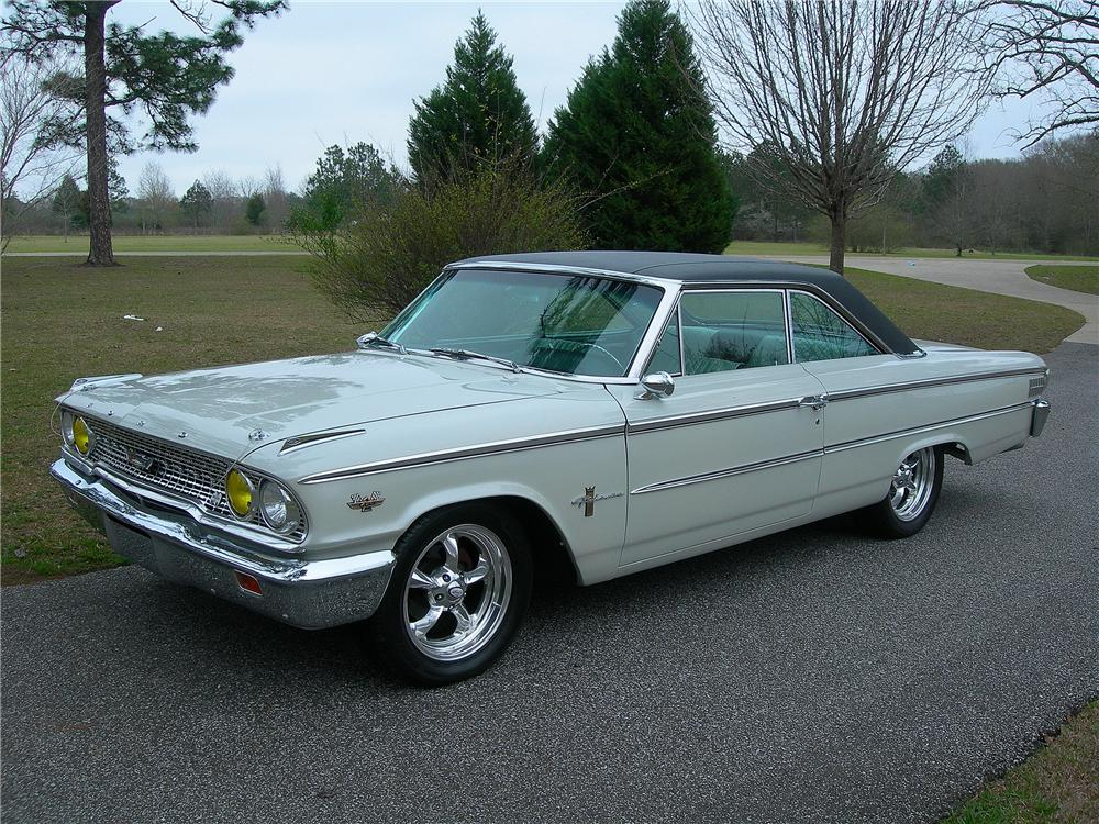 1963 FORD GALAXIE 500 CUSTOM FASTBACK - Front 3/4 - 125337