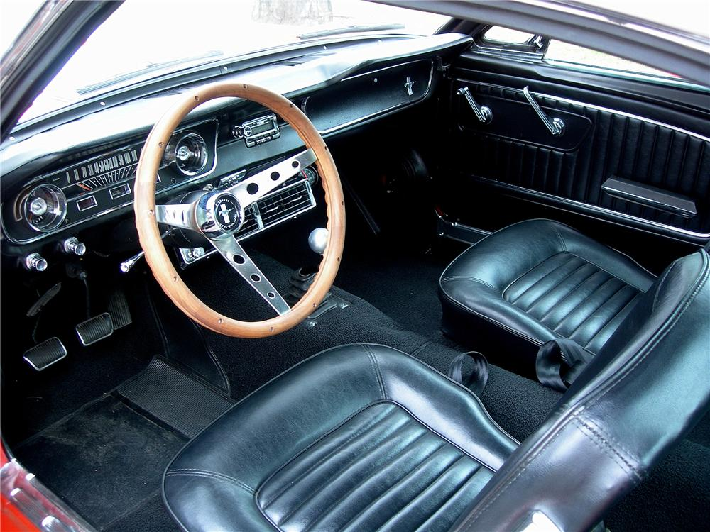1965 FORD MUSTANG CUSTOM FASTBACK - Interior - 125338