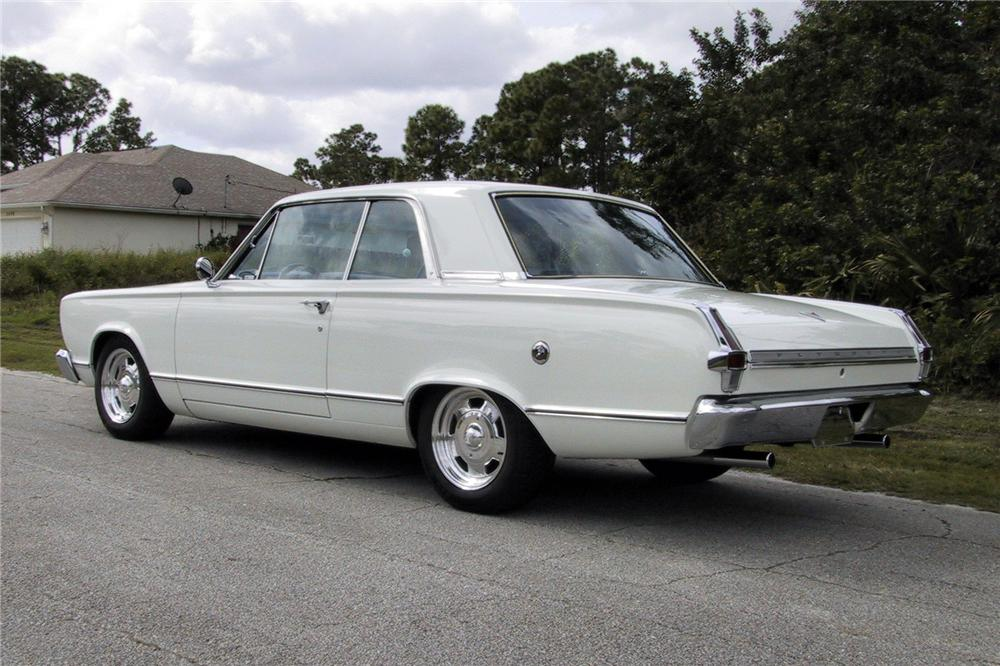 1966 PLYMOUTH VALIANT CUSTOM 2 DOOR HARDTOP - Rear 3/4 - 125350