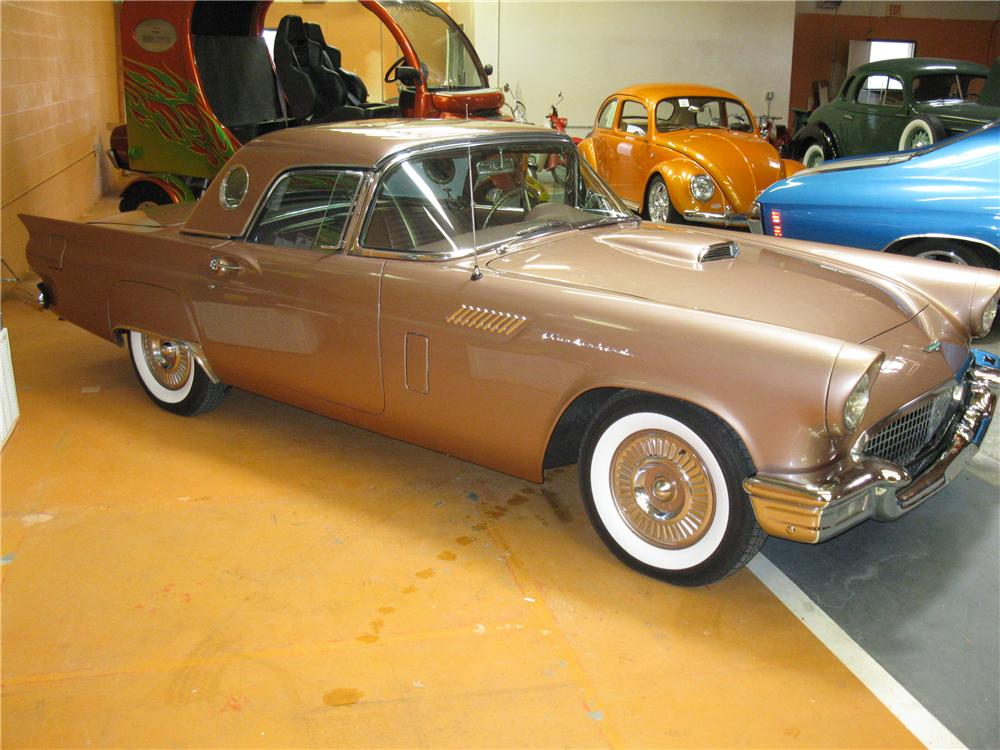 1957 FORD THUNDERBIRD CONVERTIBLE - Side Profile - 125532