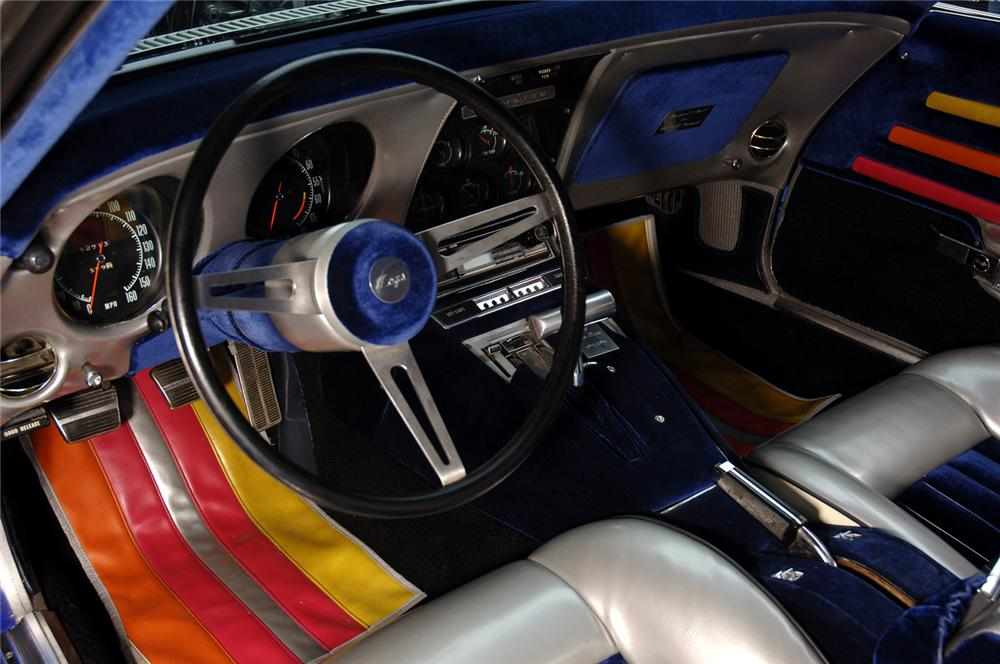 1969 CHEVROLET CORVETTE CONVERTIBLE - Interior - 125533