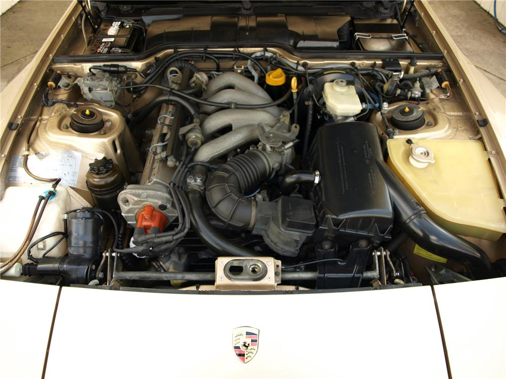 1987 PORSCHE 944 2 DOOR COUPE - Engine - 125538