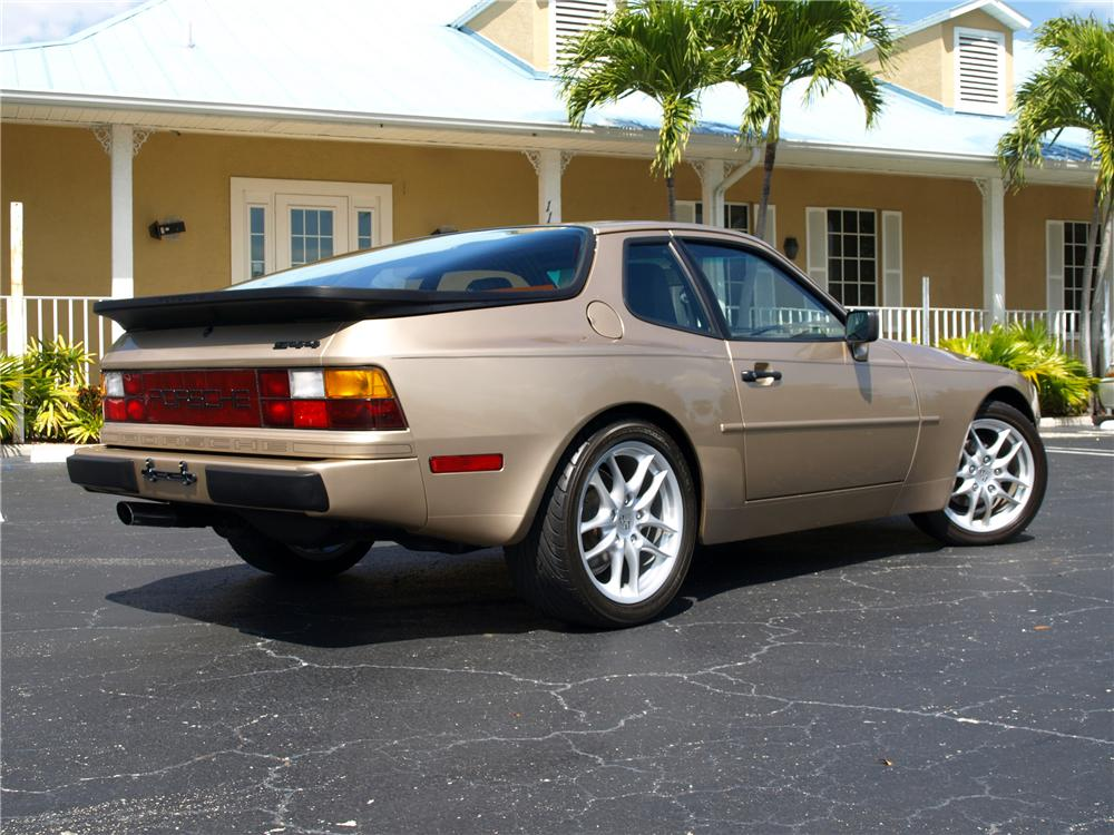 1987 PORSCHE 944 2 DOOR COUPE - Rear 3/4 - 125538